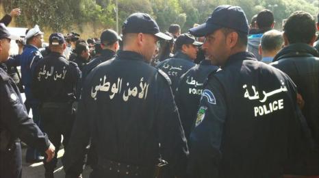 رزمة ممنوعات على عناصر الشرطة الجزائرية